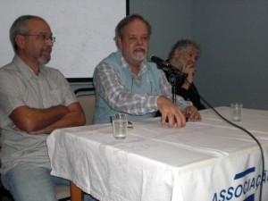 Professor Scalercio em debate na ASA, entre o diretor Jacques Gruman e o cineasta Silvio Tendler, 11-9-2011