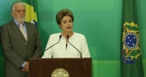 A presidente Dilma Rousseff e o ministro Jacques Wagner no Dia Internacional em Memória das Vítimas do Holocausto, 27-01-20016. Foto Lula Marques, AGPT
